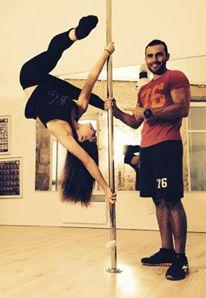 manon-agard-pole-dance-beziers-avec-nicolas-cabrol-coach-sportif-beziers